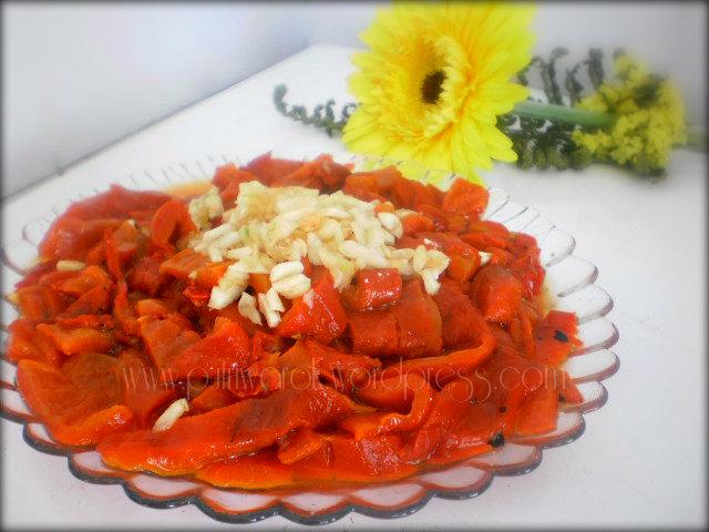 Салата от печен пипер / Salad dari paprika panggang by nisa tsvetkova