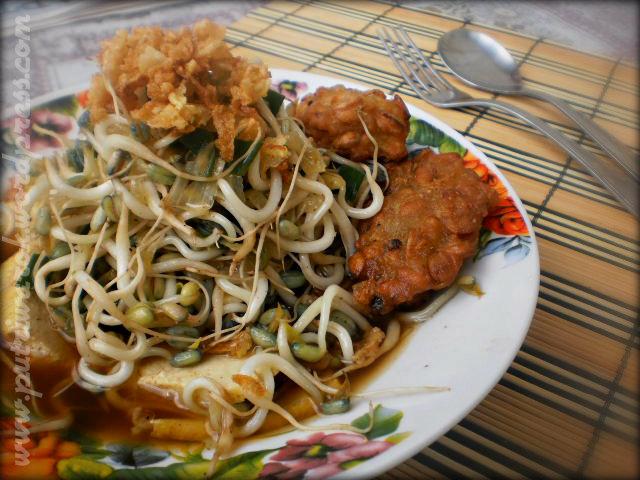 Lontong Balap Surabaya by nisa tsvetkova