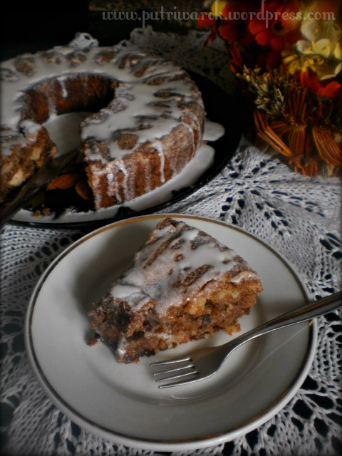 Apple Walnut Coffee Cake by nisa tsvetkova