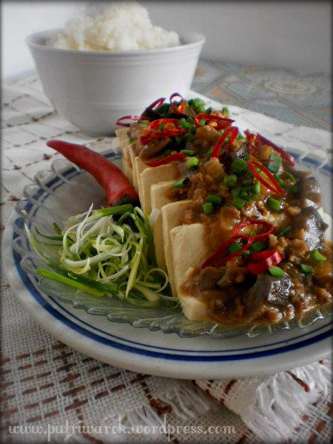 Steamed Tofu / Tahu Kukus by nisa tsvetkova