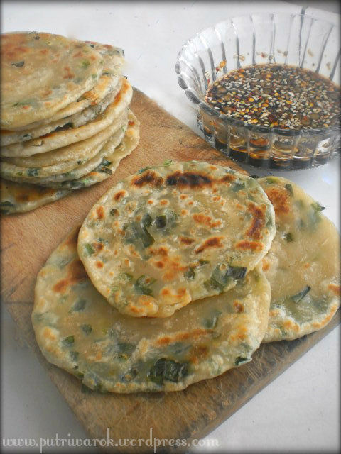 Chinese Scallion Pancakes (Cong you bing) by nisa tsvetkova