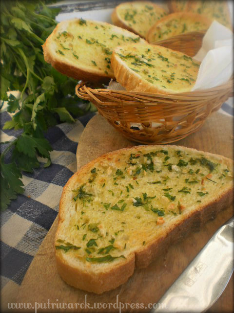 Garlic Bread by nisa tsvetkova