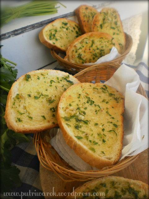 Garlic Bread by nisa tsvetkova