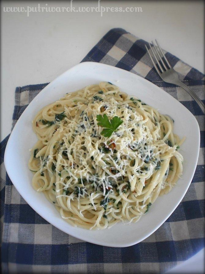 Spaghetti Aglio Olio e Peperoncino by nisa tsvetkova
