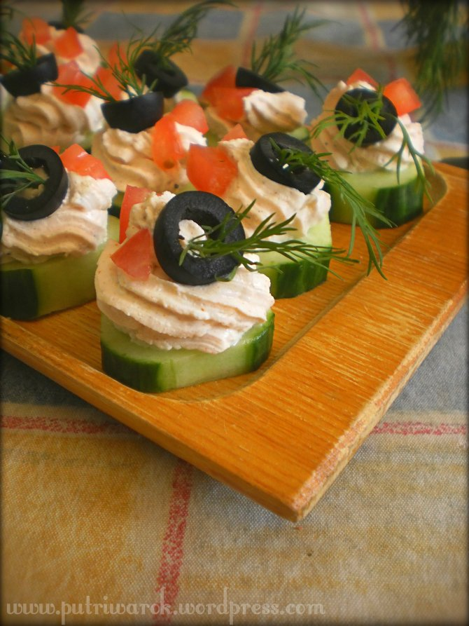 Cheese Cream Cucumber Appetizer by nisa tsvetkova