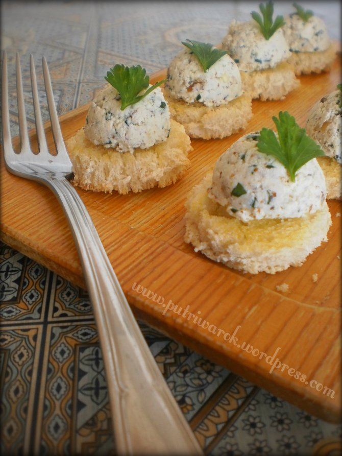 Appetizer dari Keju Cottage dan Kenari by nisa tsvetkova