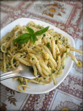 Spagetti Petersilie Pesto by nisa tsvetkova